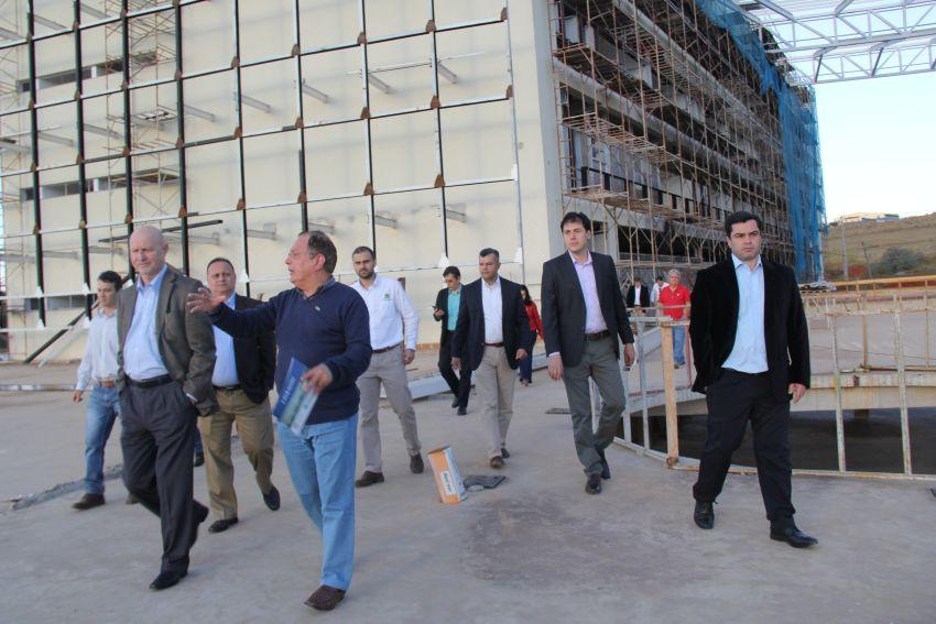 O presidente da John Deere Brasil visitou as futuras instalações do  Lavrastec 57fdd1803a