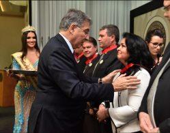 Professora da UFLA foi homenageada com Comenda Antônio Secundino de São José - honraria foi entregue pelo Governador na terça (12/6)